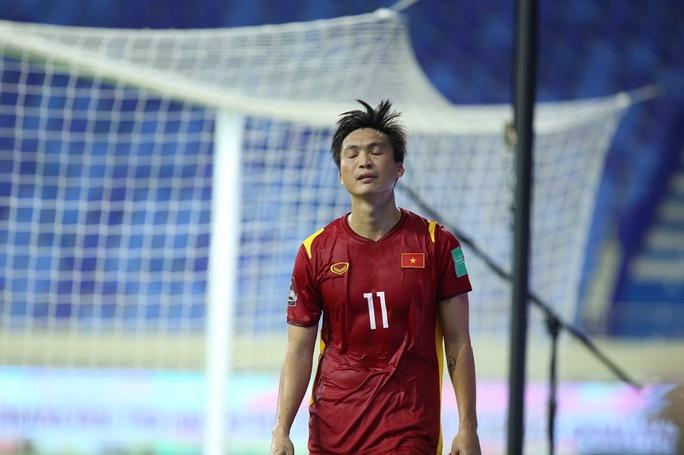 Tuấn Anh, Văn Toàn trấn an về chấn thương sau hàng loạt pha phạm lỗi của cầu thủ Indonesia - Ảnh 1.