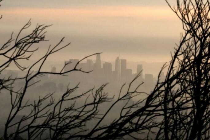Nồng độ CO2 cao kỷ lục trong 4 triệu năm, trái đất ngộ độc nặng - Ảnh 1.