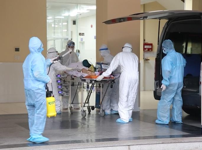 Chiến sĩ công an mắc Covid-19 chuyển sang Bệnh viện Chợ Rẫy điều trị, đặt ECMO - Ảnh 3.