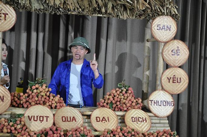 Xuân Bắc livestream bán nông sản, chốt hơn 4.000 đơn trong vòng 1 giờ - Ảnh 1.