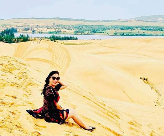 Bàu Trắng - ốc đảo xanh giữa sa mạc - Ảnh 1.