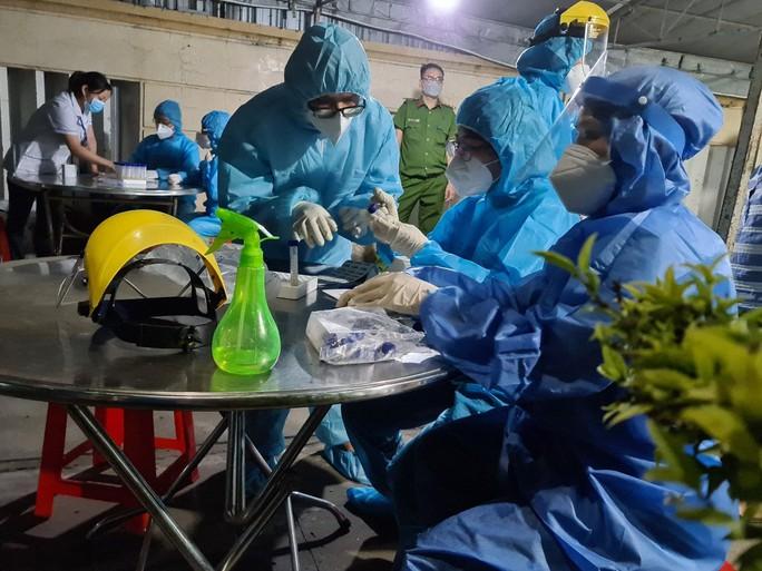 Ca nghi mắc Covid-19 Công ty PouYuen liên quan chuỗi lây nhiễm tại 1 chung cư ở quận Bình Tân - Ảnh 1.