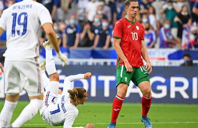 Thắng Bulgaria 3-0, tuyển Pháp lo mất Benzema đá đại chiến Euro - Ảnh 1.