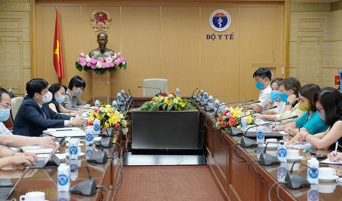 UNICEF: 67% người dân Việt Nam được hỏi sẵn sàng tiêm vắc-xin Covid-19 - Ảnh 1.