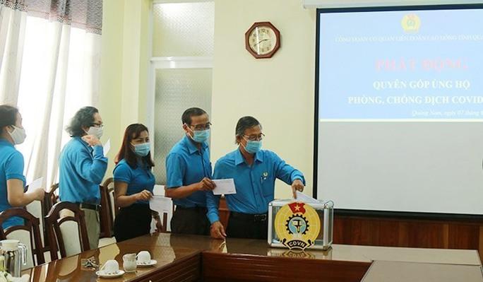 LĐLĐ Quảng Nam ủng hộ Chương trình Vắc-xin cho công nhân 1,25 tỉ đồng - Ảnh 2.