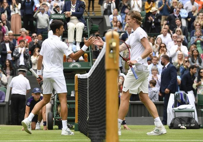 Djokovic nói gì khi vào vòng 3 Wimbledon 2021? - Ảnh 5.