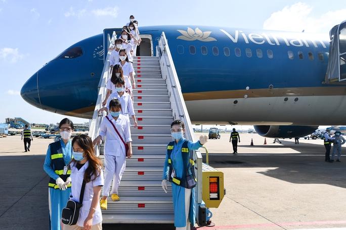 Hơn 300 cán bộ, sinh viên Hải Dương đến chi viện TP HCM chống dịch - Ảnh 14.