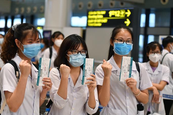 Hơn 300 cán bộ, sinh viên Hải Dương đến chi viện TP HCM chống dịch - Ảnh 7.