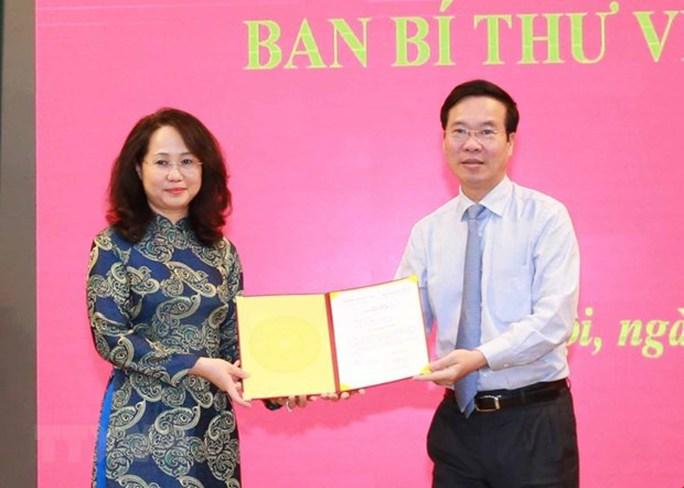 Công bố các quyết định của Bộ Chính trị, Ban Bí thư về công tác cán bộ - Ảnh 1.
