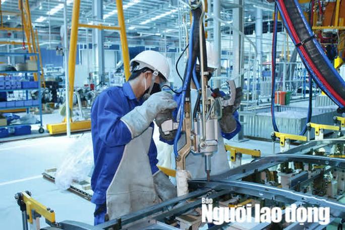 6 điểm mới cần biết về nâng lương cán bộ, công chức, viên chức, người lao động từ 15-8-2021 - Ảnh 2.