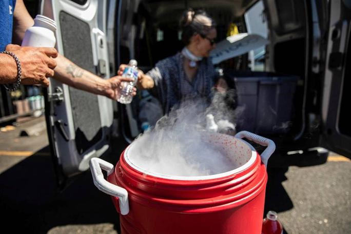 Nắng nóng khiến hàng trăm người đột tử tại Canada, Mỹ - Ảnh 2.