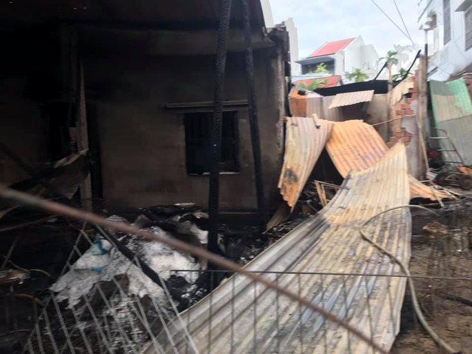 Cháy nhà ở Quảng Nam, thiệt hại tiền tỉ - Ảnh 3.