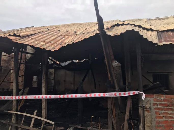 Cháy nhà ở Quảng Nam, thiệt hại tiền tỉ - Ảnh 4.
