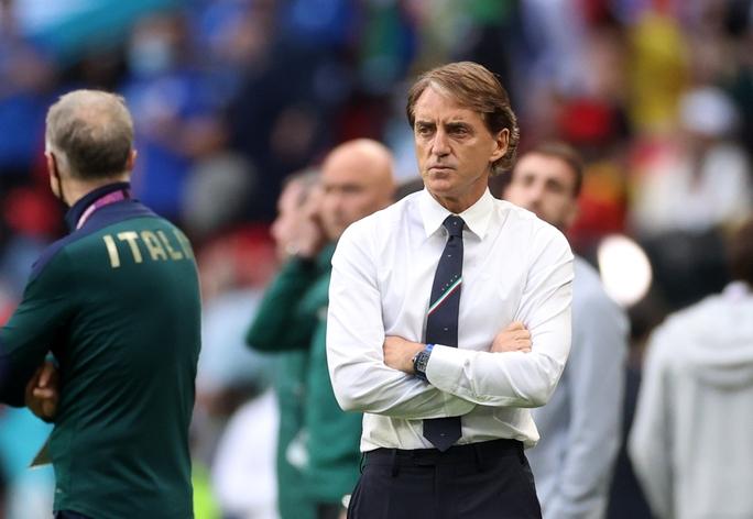 3 ca nhiễm Covid-19 khiến tuyển Ý lo sốt vó trước chung kết Euro - Ảnh 1.
