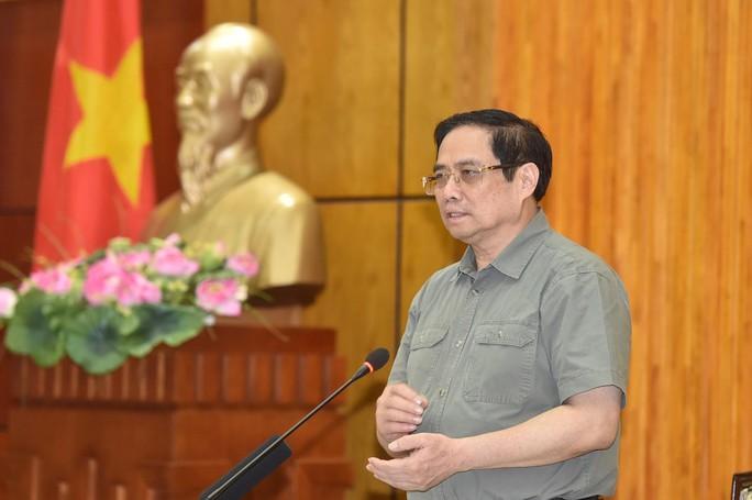 Thủ tướng đề nghị Tây Ninh đón người có nguyện vọng về để chia sẻ với TP HCM - Ảnh 2.