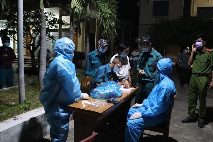 Không có tiền, 47 người Hrê được Khánh Hòa hỗ trợ đưa về quê Quảng Ngãi - Ảnh 3.