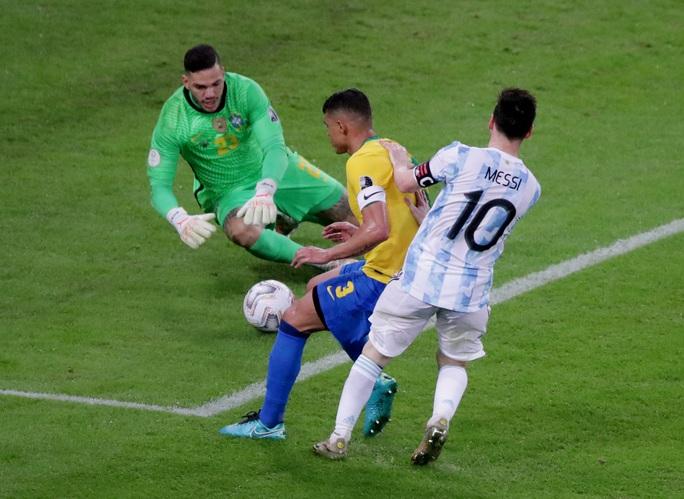 Copa America 2021: Brazil gục ngã ở sân nhà, Lionel Messi lần đầu vô địch cùng Argentina - Ảnh 2.