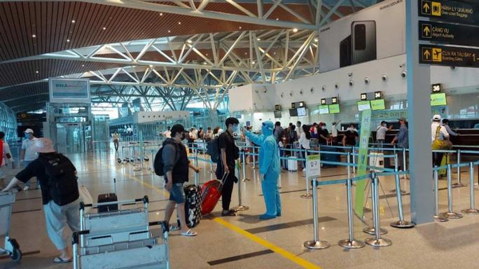 Người đàn ông mắc Covid-19 ở Quảng Nam và chuyện bất hợp tác tại sân bay Đà Nẵng - Ảnh 1.