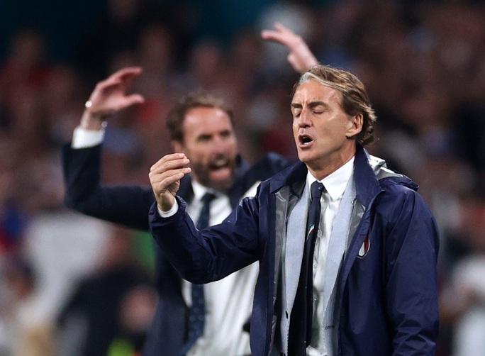 HLV Roberto Mancini giúp tuyển Ý lập nên hàng loạt kỷ lục - Ảnh 2.