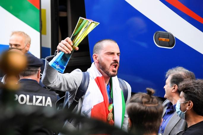 HLV Roberto Mancini giúp tuyển Ý lập nên hàng loạt kỷ lục - Ảnh 4.