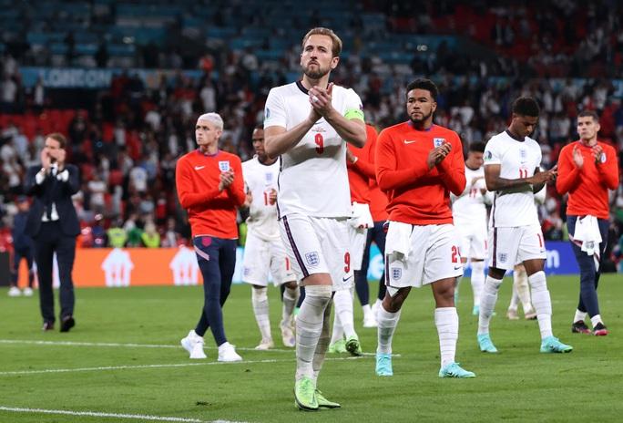 Anh gục ngã trên chấm luân lưu, Ý lên ngôi vô địch Euro 2020 - Ảnh 9.