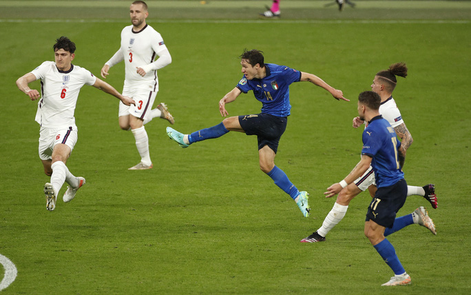 Anh gục ngã trên chấm luân lưu, Ý lên ngôi vô địch Euro 2020 - Ảnh 3.