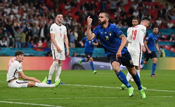 Anh gục ngã trên chấm luân lưu, Ý lên ngôi vô địch Euro 2020 - Ảnh 6.