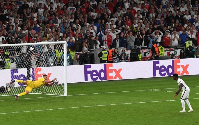 Anh gục ngã trên chấm luân lưu, Ý lên ngôi vô địch Euro 2020 - Ảnh 7.