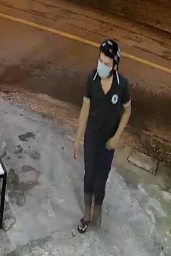 CLIP: Cướp ra tay táo tợn ở Hóc Môn, TP HCM - Ảnh 2.