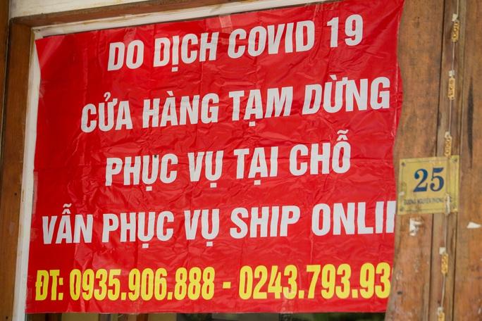 """CLIP: Shipper """"đội nắng"""" chạy hết công suất sau khi Hà Nội dừng các dịch vụ tại chỗ - Ảnh 3."""