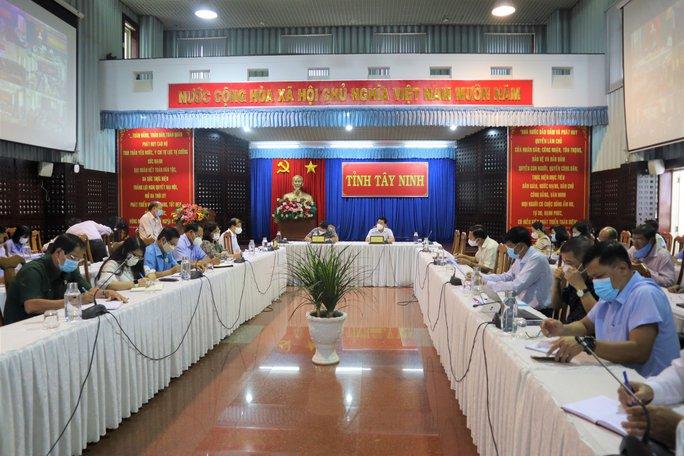 Áp dụng Chỉ thị 16 tại nhiều địa phương ở Tây Ninh - Ảnh 1.
