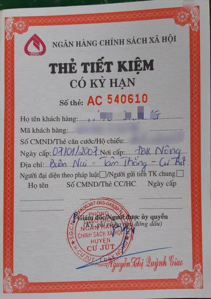 Cậu học trò nghèo bị giữ học bạ được hỗ trợ tiền học 5 năm - Ảnh 2.