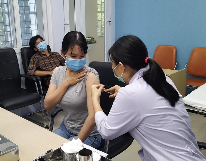 Tiêm vắc-xin mũi 1 AstraZeneca, mũi 2 Pfizer: nghiên cứu thế giới nói gì? - Ảnh 1.