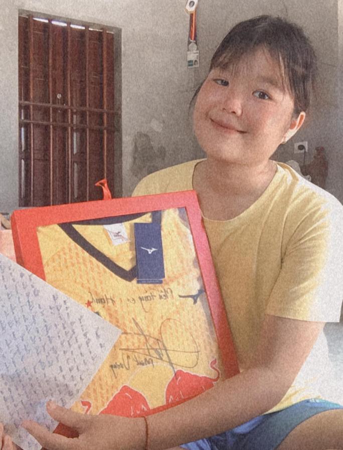 Trần Minh Vương chia sẻ đam mê chơi bóng với nữ đồng nghiệp mắc bệnh nan y - Ảnh 1.
