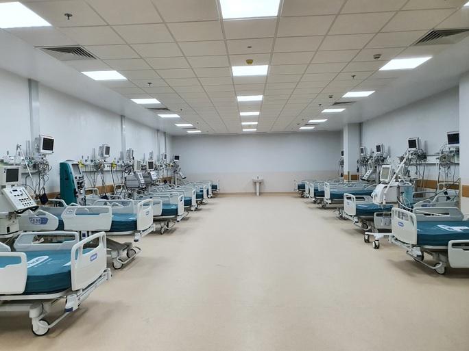TP HCM: Những hình ảnh bên trong Bệnh viện hồi sức Covid-19 - Ảnh 2.