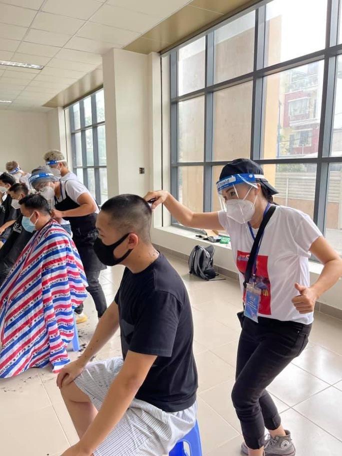 Hoa hậu Khánh Vân cùng nhiều nghệ sĩ tiếp tục hỗ trợ người dân chống dịch - Ảnh 8.