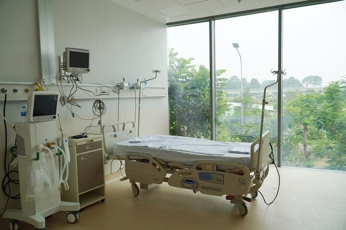 TP HCM: Những hình ảnh bên trong Bệnh viện hồi sức Covid-19 - Ảnh 4.