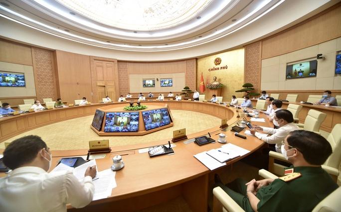 Thủ tướng chủ trì họp khẩn với 27 tỉnh, thành về chống dịch Covid-19 - Ảnh 3.