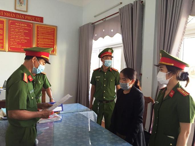 Một nữ cán bộ xã ở Quảng Nam chiếm đoạt hơn 5,4 tỉ đồng - Ảnh 1.