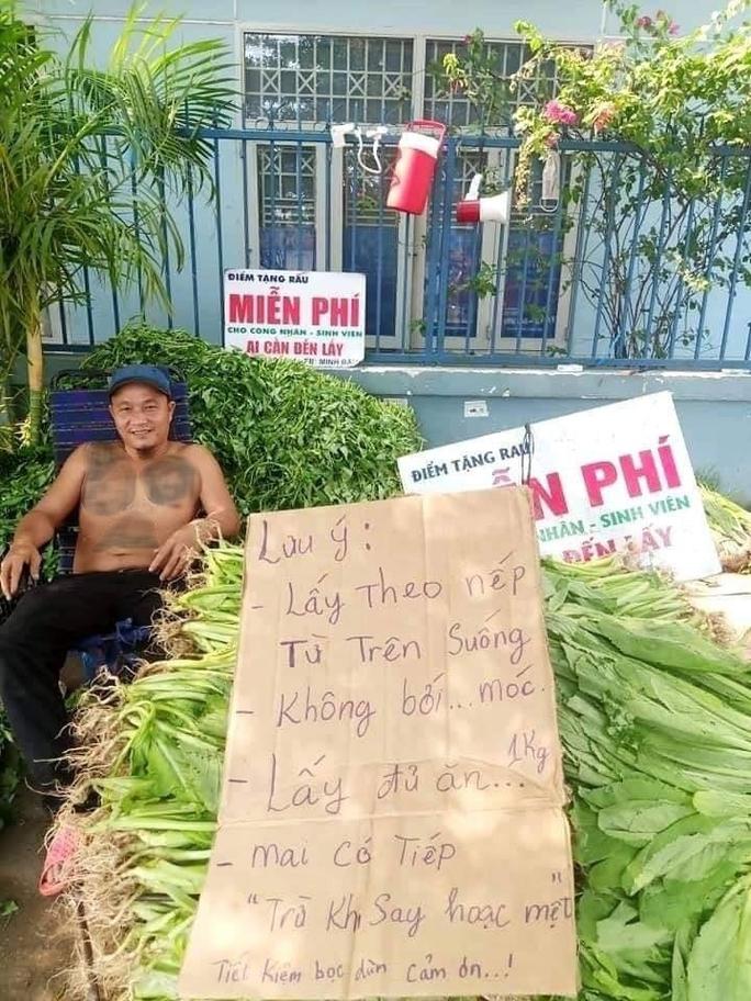Ông chủ sạp rau Minh Râu kể về chuyện vừa bán vừa cho - Ảnh 6.