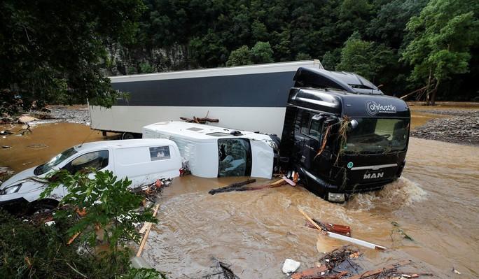 Đức, Bỉ bàng hoàng vì lũ lụt chưa từng thấy - Ảnh 4.