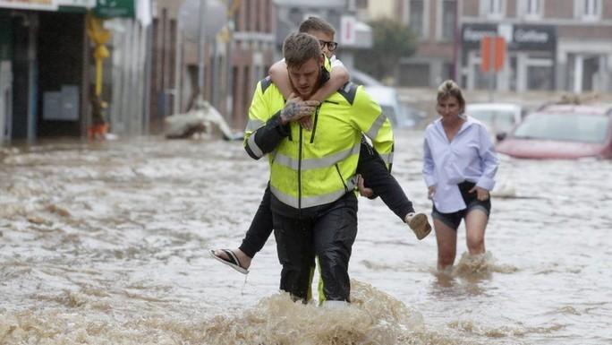 Đức, Bỉ bàng hoàng vì lũ lụt chưa từng thấy - Ảnh 6.