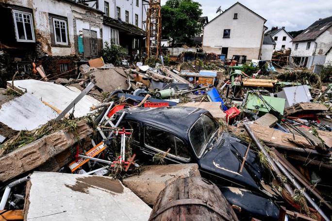 Đức, Bỉ bàng hoàng vì lũ lụt chưa từng thấy - Ảnh 7.