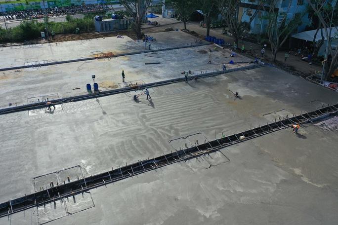 Toàn cảnh đại công trường xây dựng 2 bệnh viện dã chiến hơn 7.000 gường tại TP HCM - Ảnh 13.