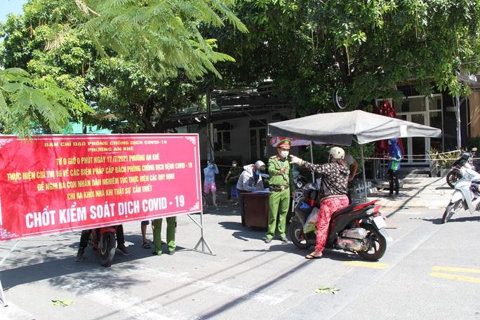 Đà Nẵng ngày đầu thực hiện Chỉ thị 16 tại 4 phường - Ảnh 10.