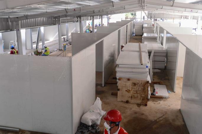 Toàn cảnh đại công trường xây dựng 2 bệnh viện dã chiến hơn 7.000 gường tại TP HCM - Ảnh 12.