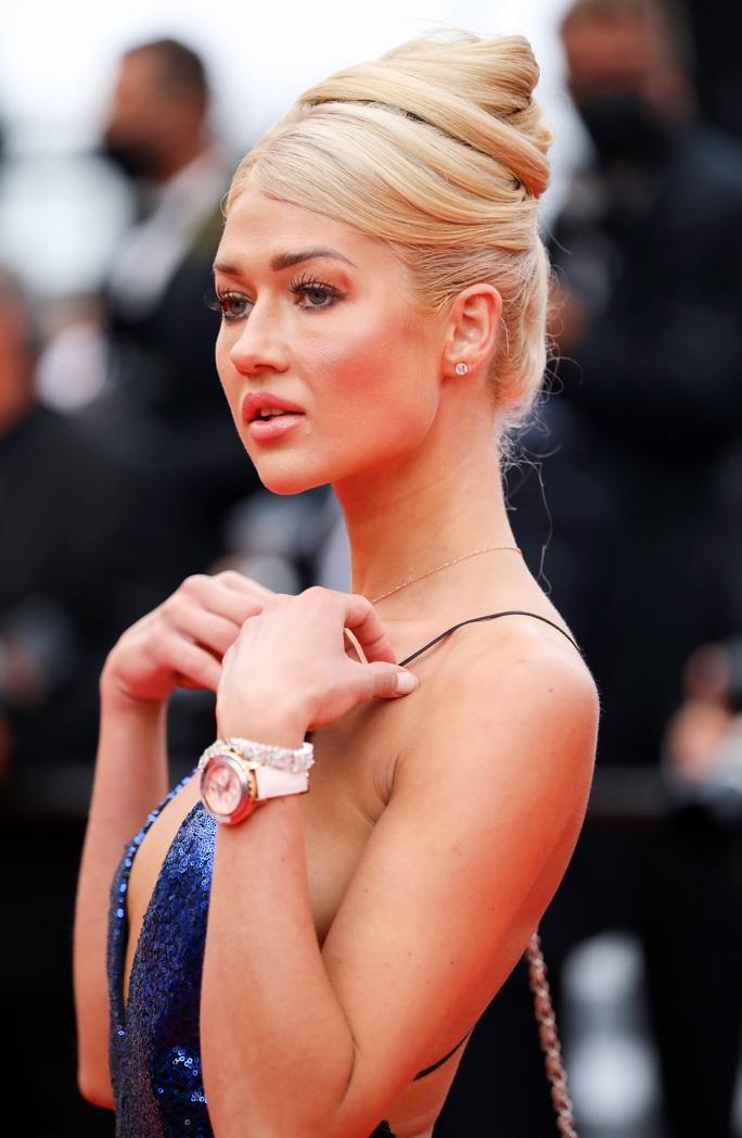 """Mốt """"thả rông"""" tiếp tục được chuộng trên thảm đỏ Cannes 2021 - Ảnh 5."""
