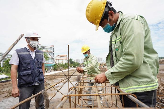Toàn cảnh đại công trường xây dựng 2 bệnh viện dã chiến hơn 7.000 gường tại TP HCM - Ảnh 4.