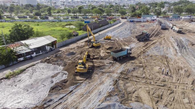 Toàn cảnh đại công trường xây dựng 2 bệnh viện dã chiến hơn 7.000 gường tại TP HCM - Ảnh 6.