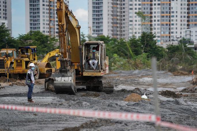 Toàn cảnh đại công trường xây dựng 2 bệnh viện dã chiến hơn 7.000 gường tại TP HCM - Ảnh 7.
